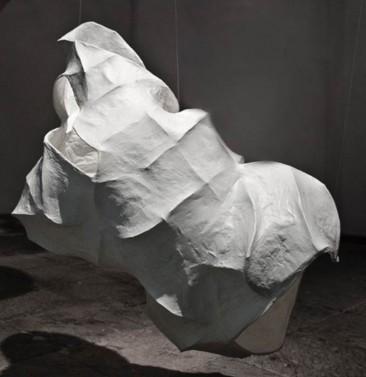 LA CASA QUE HABITO NO. 5, Serie: La casa que habito, Pape y estructura de alambre, 90 x 55 x 50 cm, 2013.