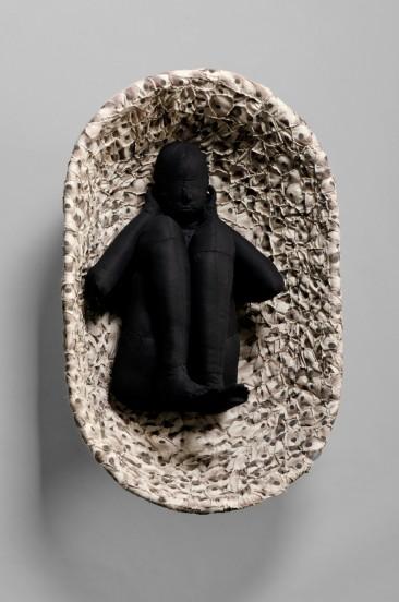 SOPLO, Serie: Lo que los ojos no alcanzan a ver, Manta e hilo, 81 x 52 x 35 cm, 2010 – 2011.