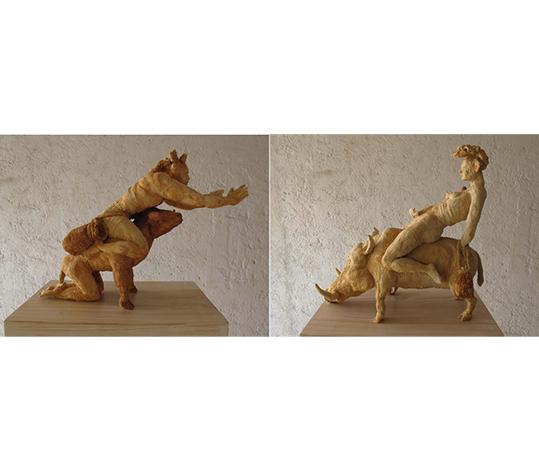 VENDAVAL H. Escultura en cerámica con óxidos, 32 x 43 x 16 cm. VENDAVAL M, Escultura con óxidos, 36 x 38 x 17 cm.