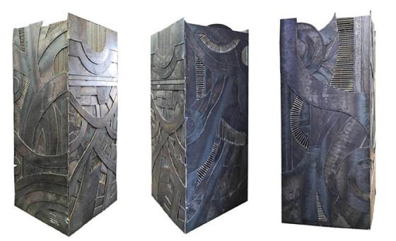 Columna de acero, 220 x 82 x 92 cm.