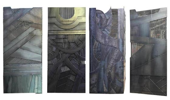 Paneles de acero, 220 x 368 cm.