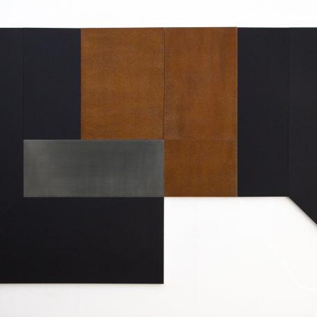 Cuarto Negro Óxido, Material de Nanotecnología, Plomo y Acero Oxidado / Aluminio 165 x 280 cm, 2018, Edición 1/3